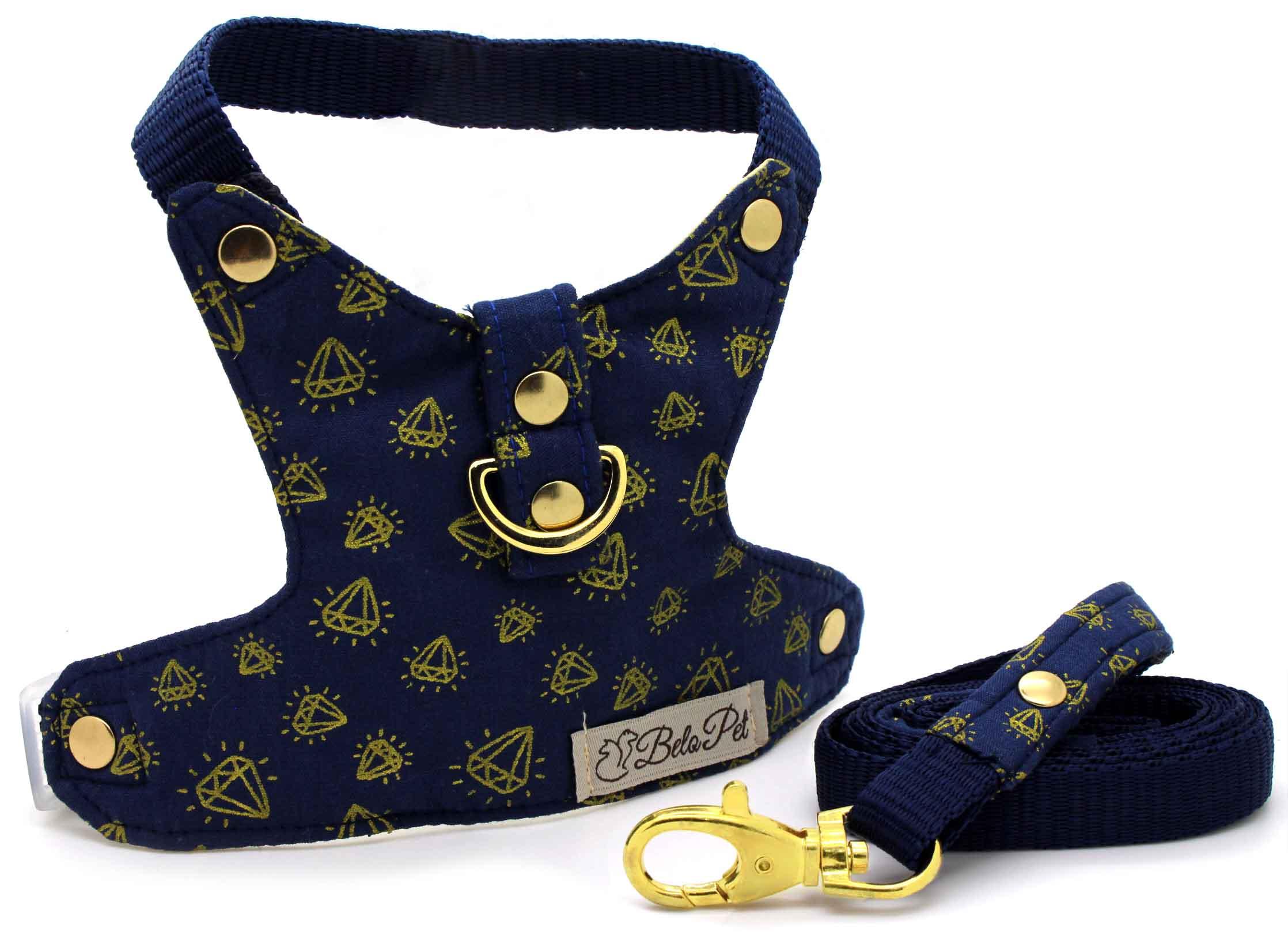8a47758791 Peitoral com Guia - Courino e Algodão Azul Marinho e Dourado Diamantes -  Metais Dourados - Pet Elegante